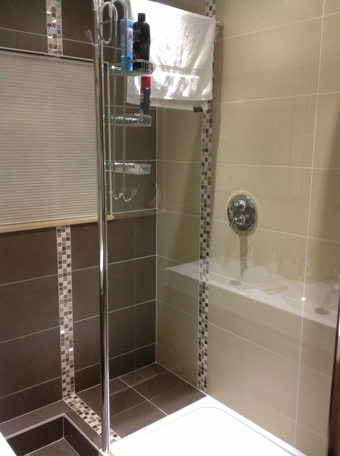E-Stone Beige And Brown 600 X 300 With Crystal Mosaics