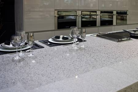 Silestone-quartz-kitchen-cocina-serie-platinum-chrome-pulido-polish-2